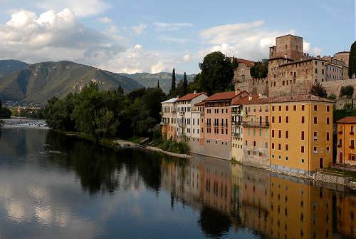 Bassano del grappa fiume brenta ponte degli alpini ponte - Mobilifici bassano del grappa ...