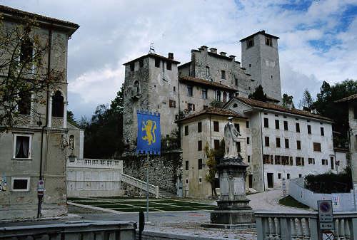the best attitude 76e91 34bc1 Feltre: fotografie varie e al Castello di Alboino a Feltre ...