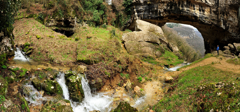 lessini ponte naturale di veja a sant anna d alfaedo nel