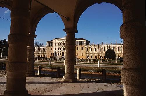 Piazzola sul brenta villa contarini camerini simes villa for Padova mercatino antiquariato