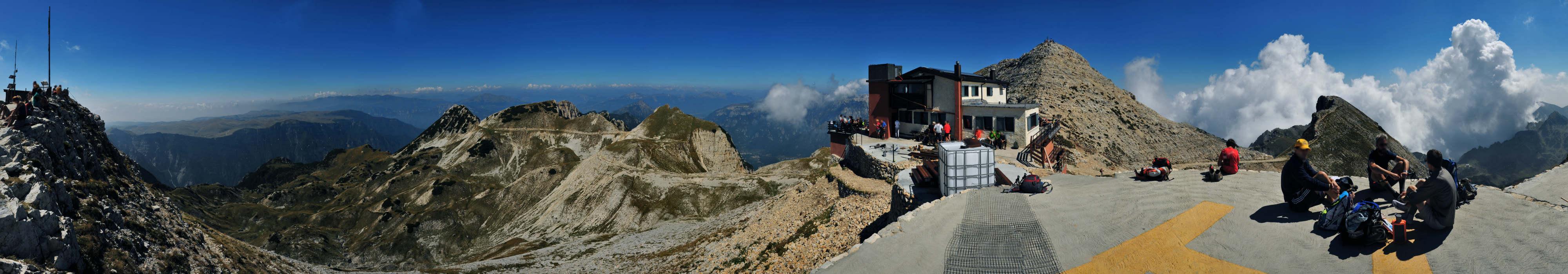 Piccole Dolomiti - Cima Carega : dal terrazzo del rifugio ...