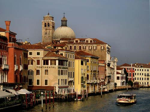 venezia palazzi a venezia venesia venezia venise venice venedig palazzi signorili. Black Bedroom Furniture Sets. Home Design Ideas