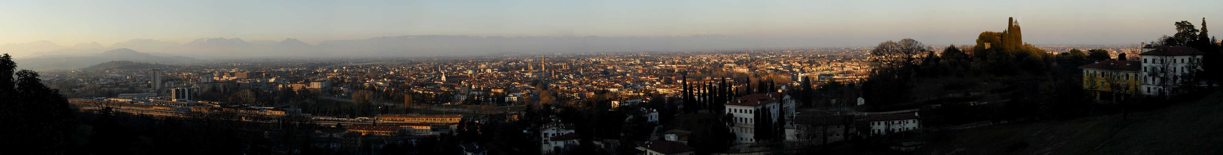 Vicenza : panoramica dalla terrazza del Santuario della Madonna di ...