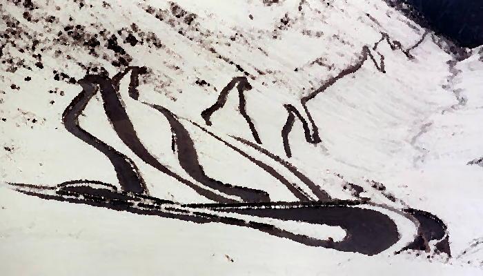 Sciare passo dello Stelvio: il versante verso Prato Allo Stelvio