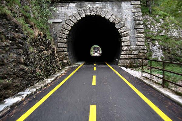 http://www.magicoveneto.it/friuli/bike/Pontebbana-Tarvisio-Gemona-C01.jpg