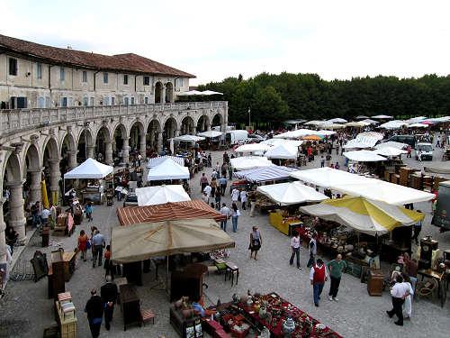 Piazzola sul brenta mercatino dell 39 antiquariato for Mercatini antiquariato 4 domenica