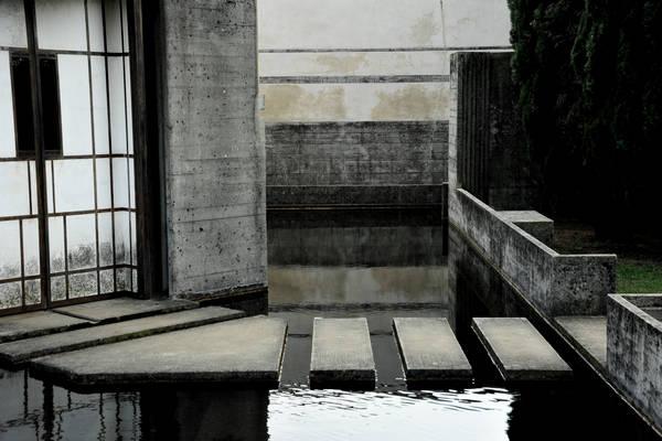 In svizzera c 39 il mare tomba brion for Carlo scarpa tomba